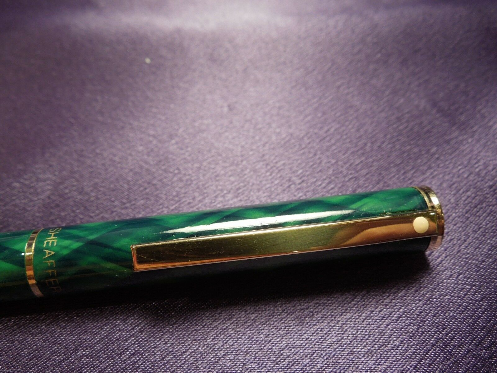 Green & Gold Sheaffer Ballpoint Pen in Original Red and Gold Box image 9