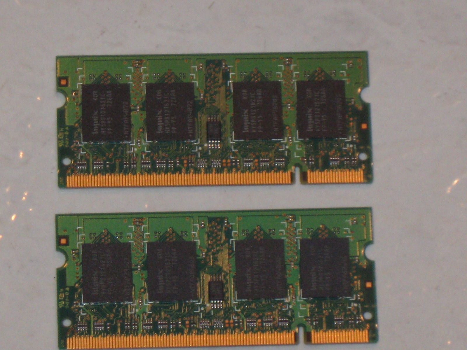 HYNIX HMT351V7BFR4A-H9 4GB 1Rx4 PC3L-10600R 1333 1.35V VLP REG SERVER MEMORY RAM