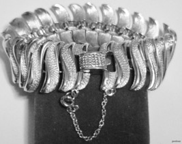 Vintage Signed CORO Gorgeous Silvertone Moving Link Bracelet w/ Safety Chain - $58.41