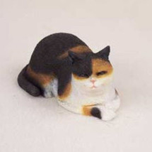 CAT NAP  CALICO CAT Figurine Statue Hand Painted Resin Gift - $19.50