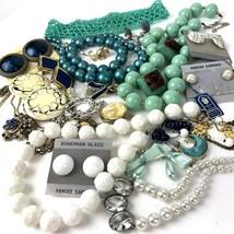 Vtg Costume Jewelry Lot Boho MOD Mixed Materials 20+ pcs metal plastic b... - $29.69