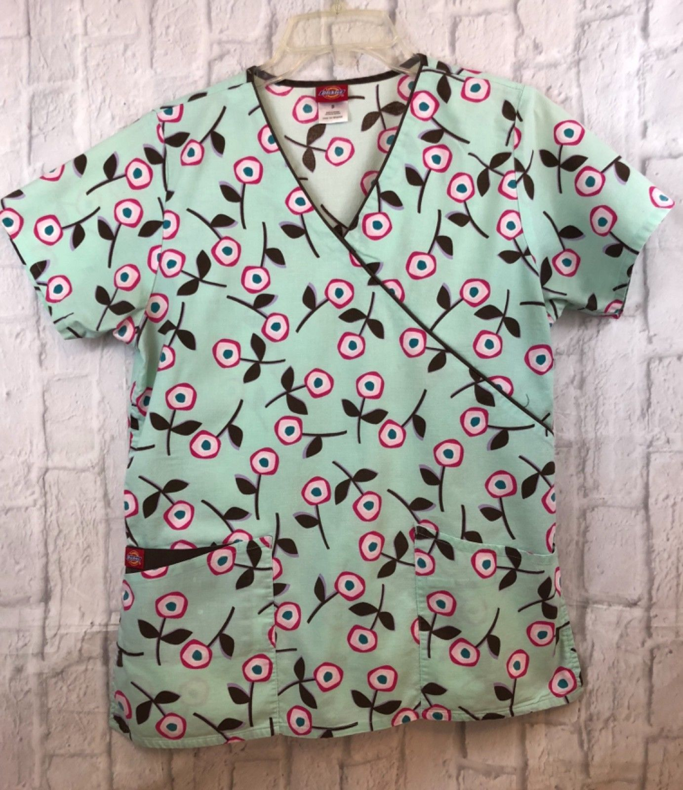 Primary image for Dickies Green Multicolor Flowers Scrub Top Nursing Dental Size Small