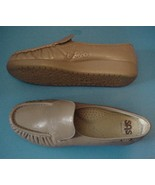 Womens SAS Loafers Low Heel Tan Size 7M - $47.95