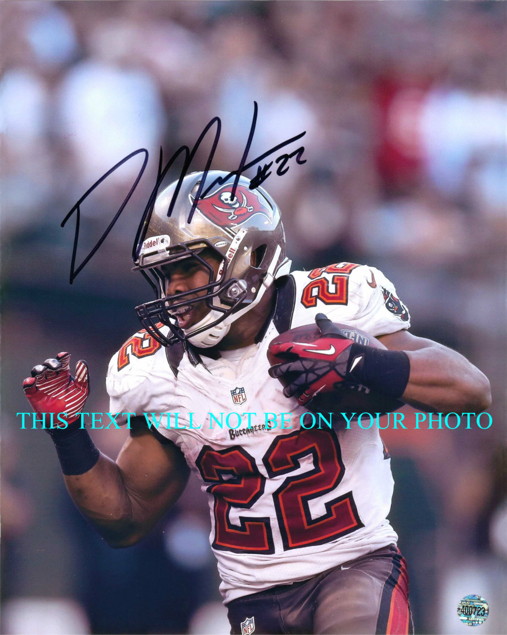 Primary image for DOUG MARTIN AUTOGRAPHED AUTO 8x10 RP PHOTO TAMPA BAY BUCCANEERS