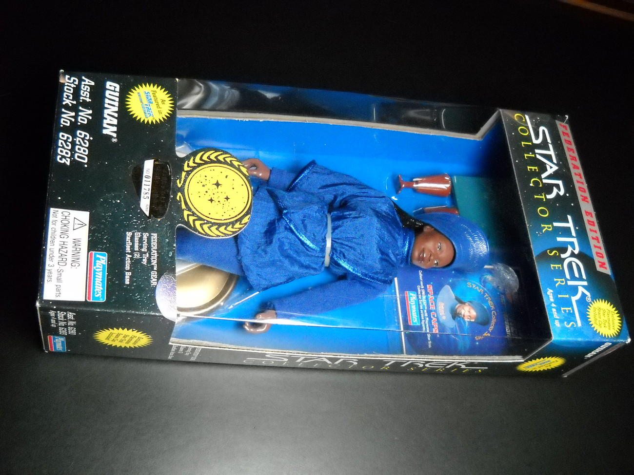 Toy star trek playmates federation edition guinan 9 inch 1995 boxed sealed 01