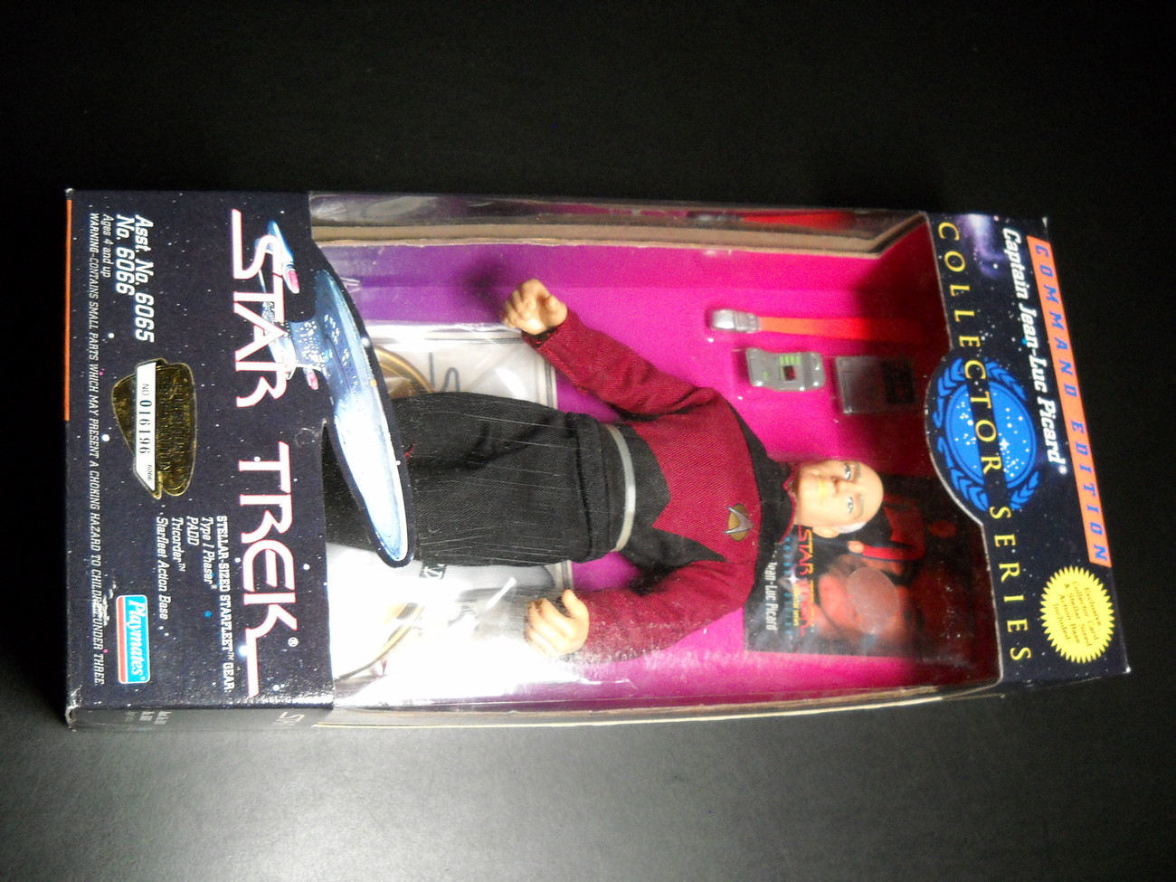 Toy star trek playmates command edition captain jean luc picard 1994 9 inch boxed sealed 02