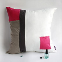 [Sweet Lady] Knitted Fabric Pillow Cushion - $23.99