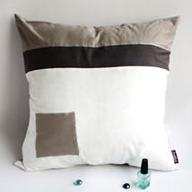 [Pure Heart] Knitted Fabric Pillow Cushion - $23.99
