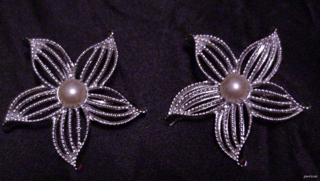 Pair of Vintage Sarah Coventry Silver-Tone Flower Brooch Pin w/Faux Pearl Center