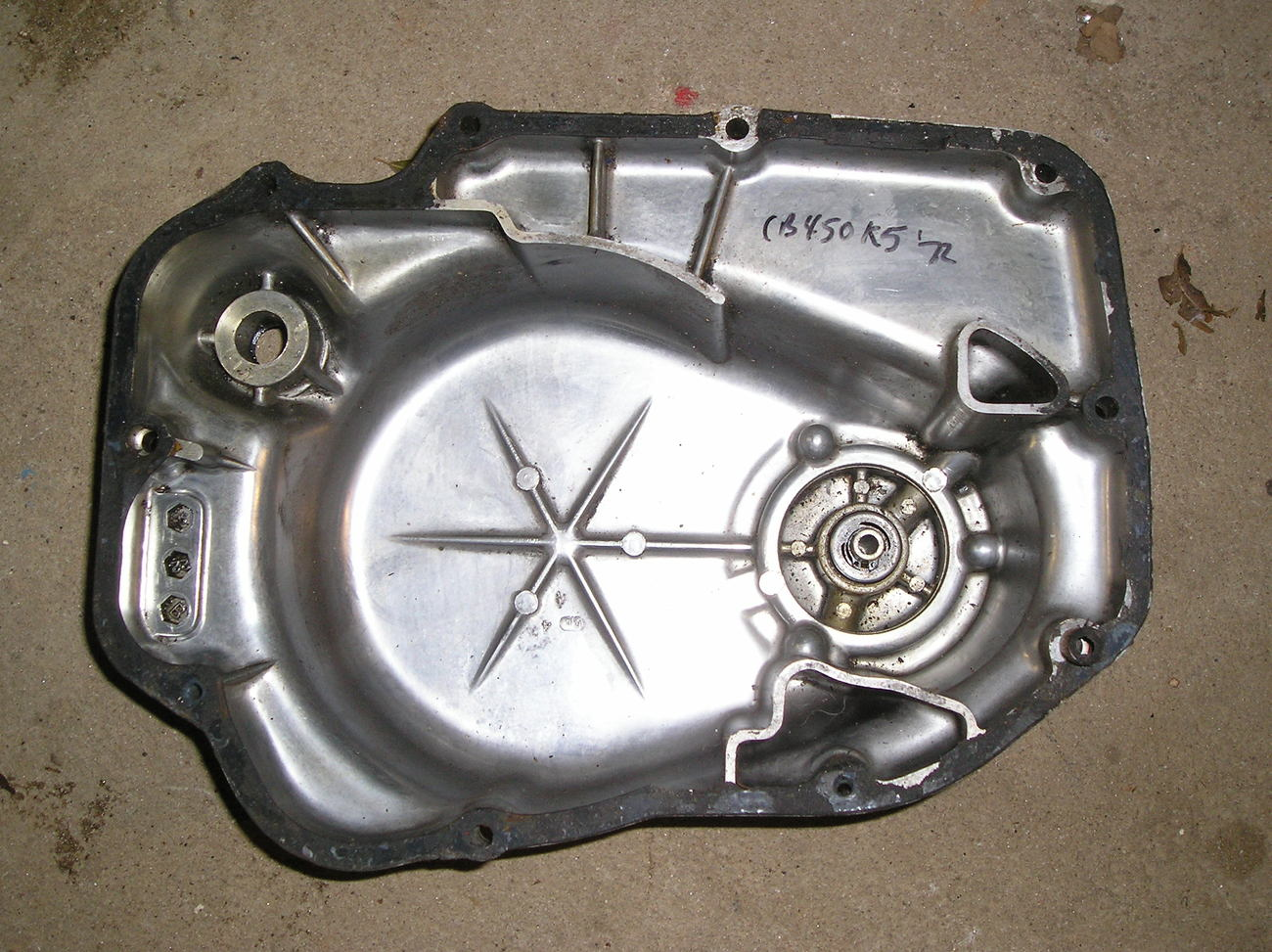 Honda CB450K5 '72 clutch cover