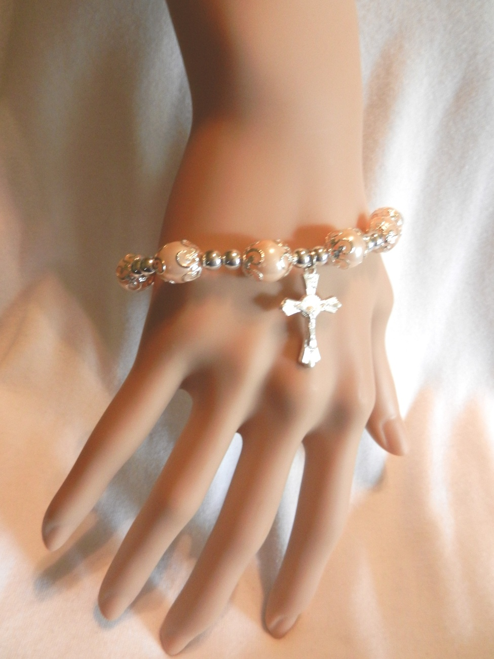 Primary image for NEW !!!!  Stretch  Faux Pearls Crucifix  Cross  Bracelet