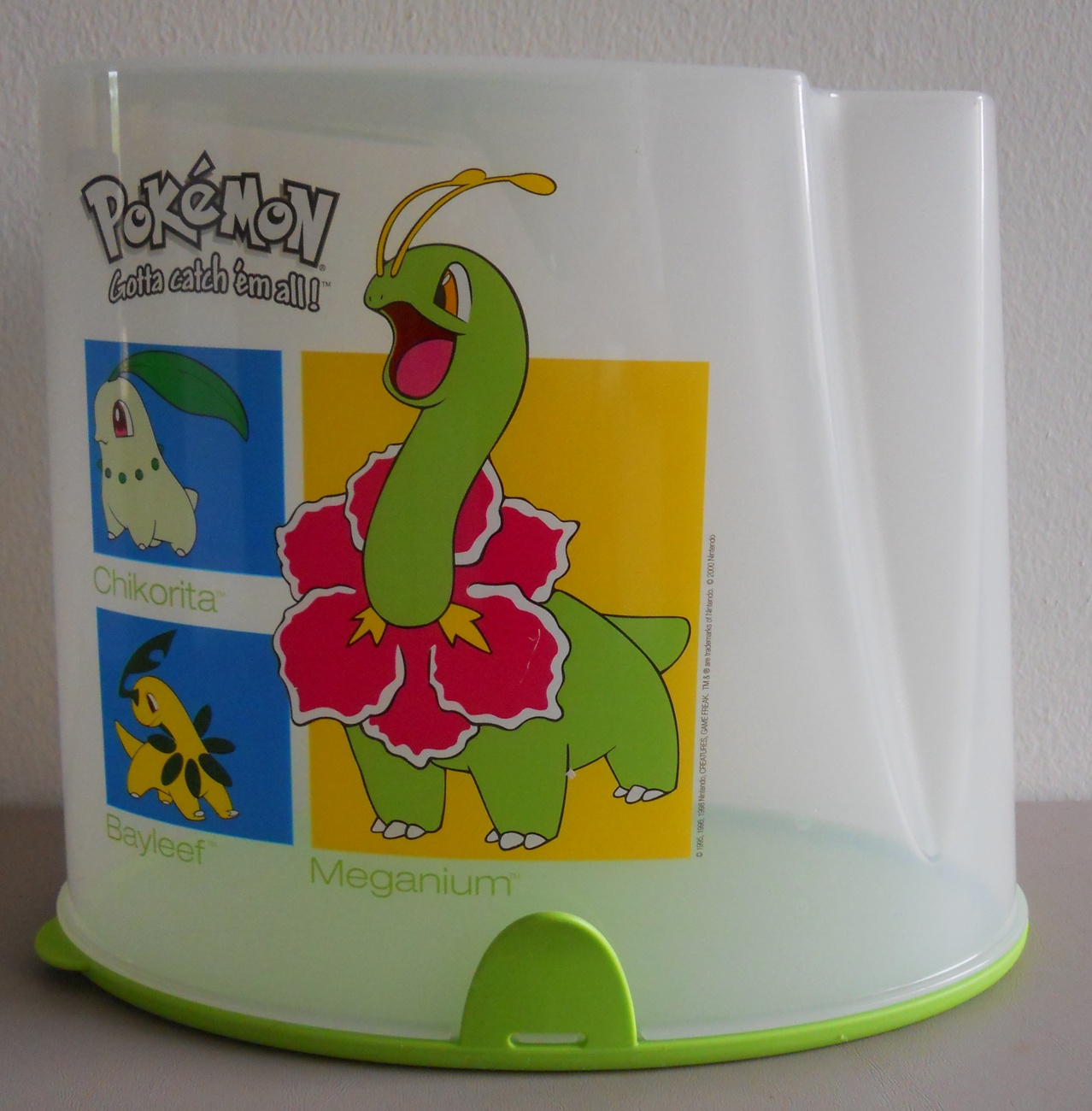 Retired_pokemon_tupperware_cereal_keeper_pantry_meganium_bayleef_chikorita