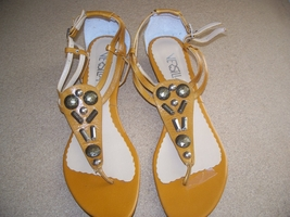 Z01  Versilia Woman Sandals Brown Size 8 pre owned  - $10.00