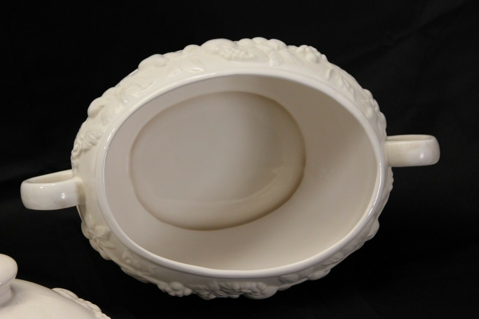 """Over and Back Soup Tureen 9.5"""" image 4"""
