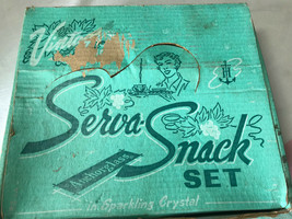 Vintage ANCHOR GLASS  SERVA SNACK 8 piece Set with Box Grape Clusters - $12.50