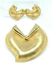 Crown Trifari Modernist Abstract Heart Gold Tone Pin Brooch Earrings Set - $89.09