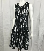 Betsey Johnson Scuba Dress Size 12 Fit to Flare Front Zip Sleeveless Black White - $30.00
