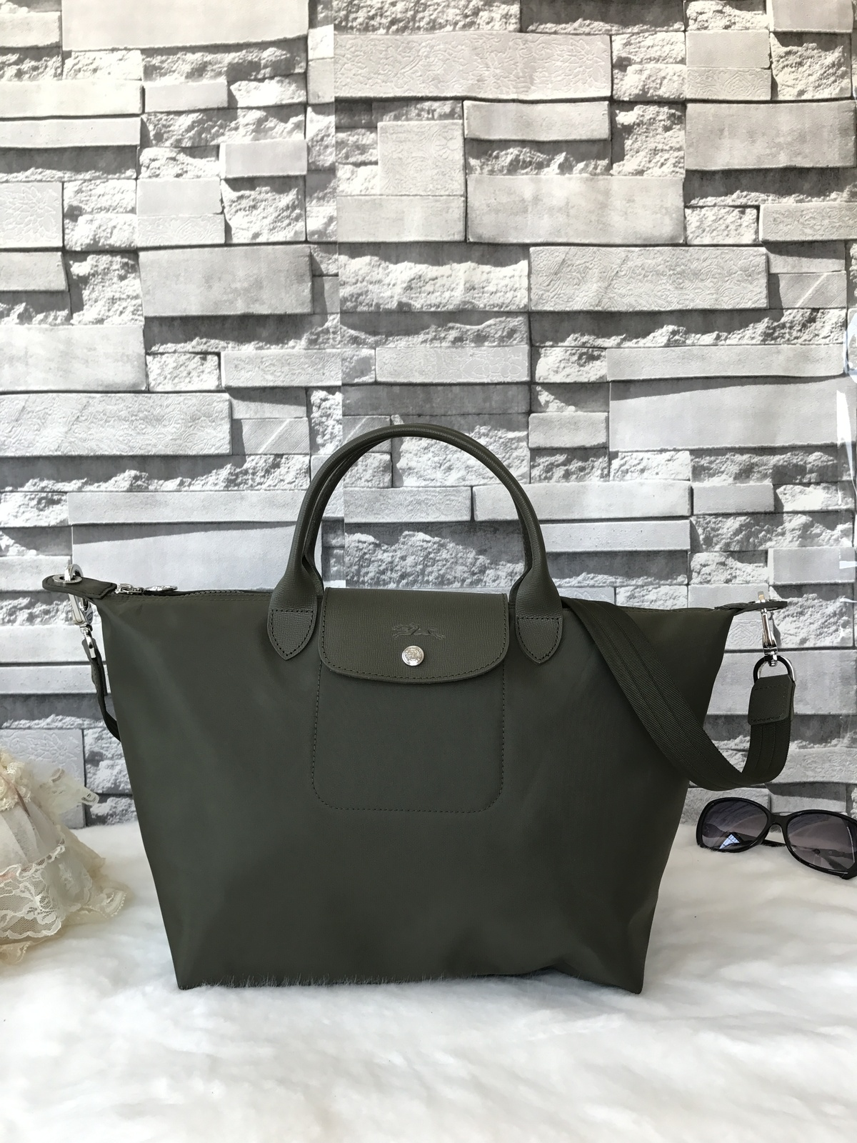 Longchamp Le Pliage Large Khaki Green Handbag Neo Shoulder Strap L1515578292