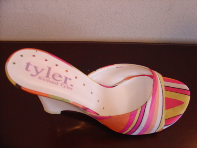 Richard Tyler multi-color wedge women's shoes