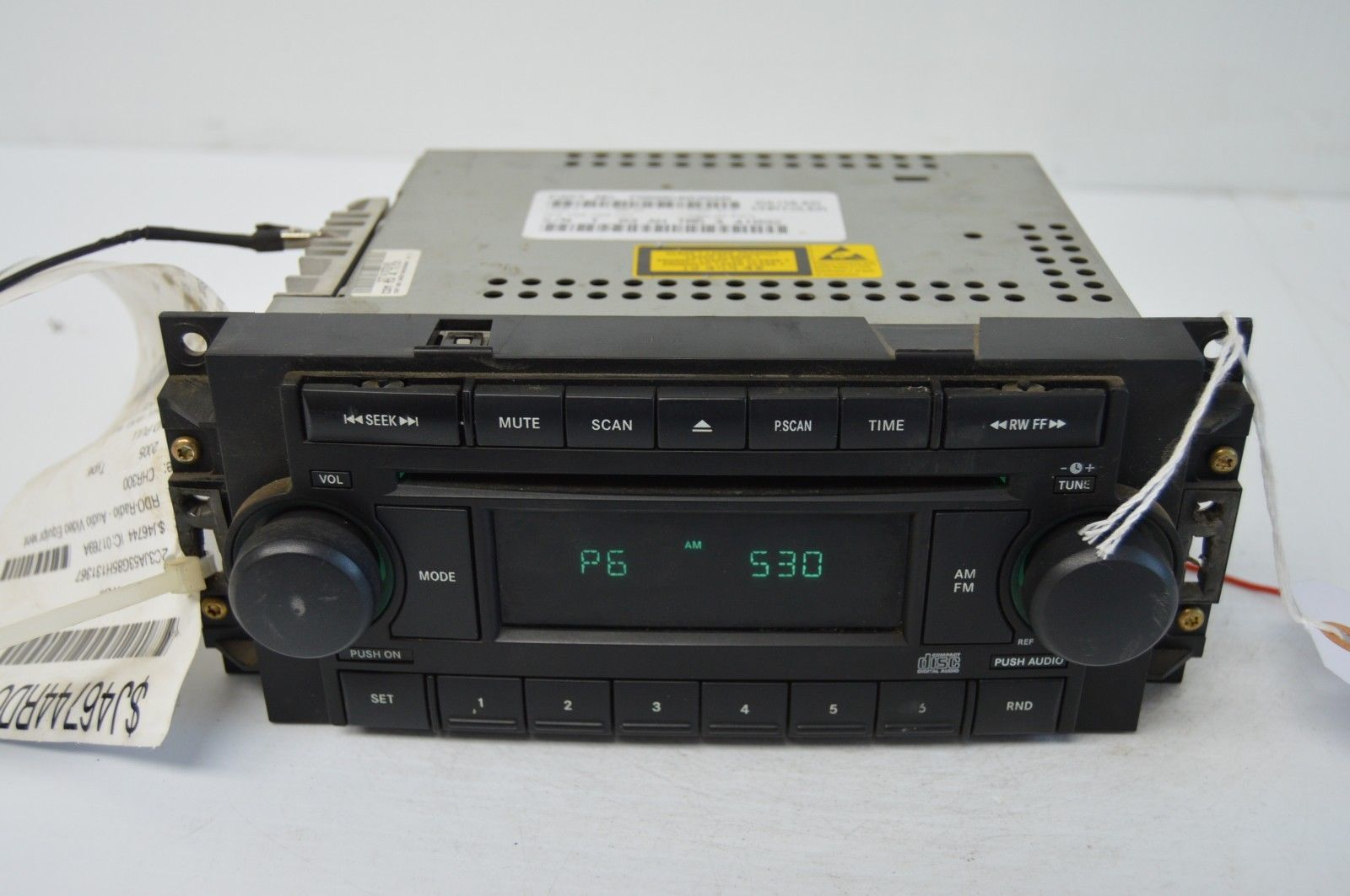 2005-2010 CHRYSLER 300 RADIO CD PLAYER OEM RADIO P05064030AN TESTED H61#030