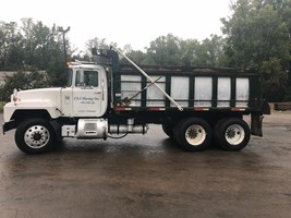 2001 Mack For Sale in Acworth, Georgia 30101 image 1