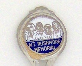 Souvenir Spoon - Travel Commemorative - Mt Rushmore Memorial