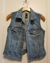 Gap Women's Denim Vest, Light Wash, 100% Cotton, Size S, Pre-owned - $26.09