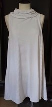 Forever 21 Womens Long Business Casual Cream Tank Top Sweater Size Medium - $18.69