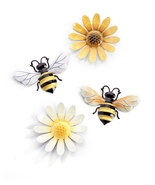 Screen Savers Loves Me Loves Me Not, Set of 4 Bee & Daisy - $29.99