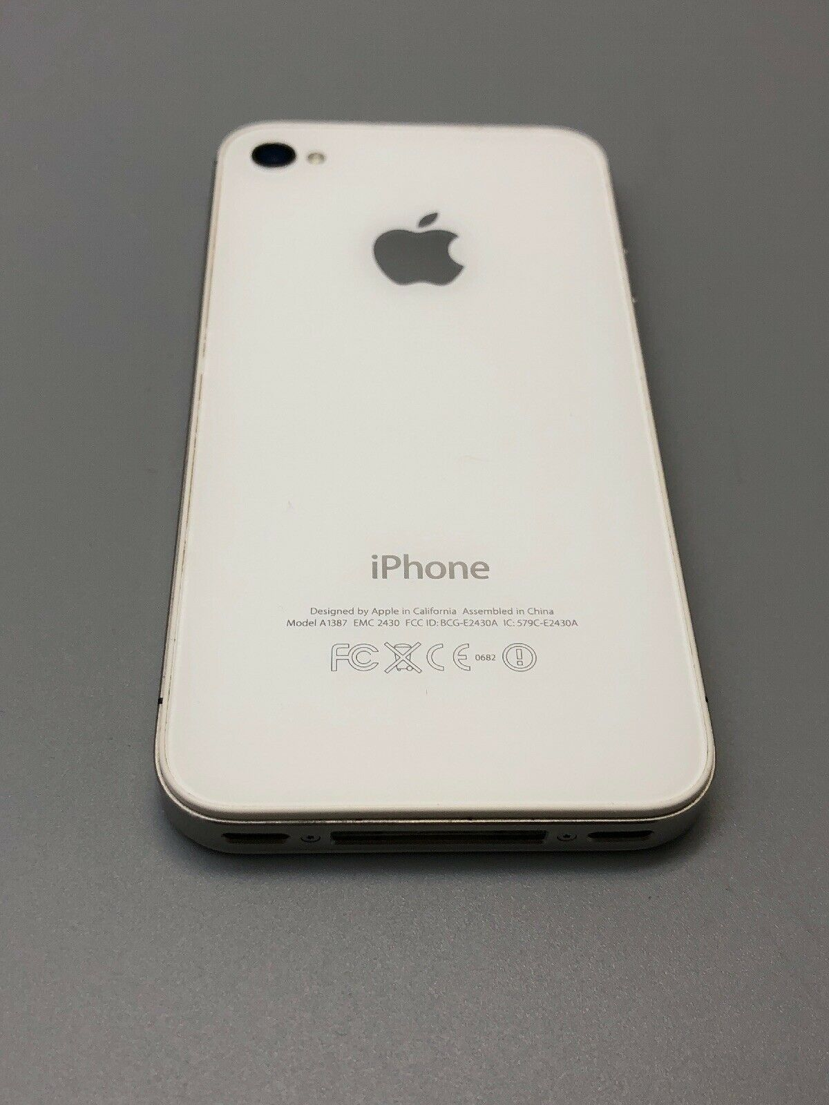 Apple iPhone 4s - 16GB - White (Sprint) A1387 - For Parts