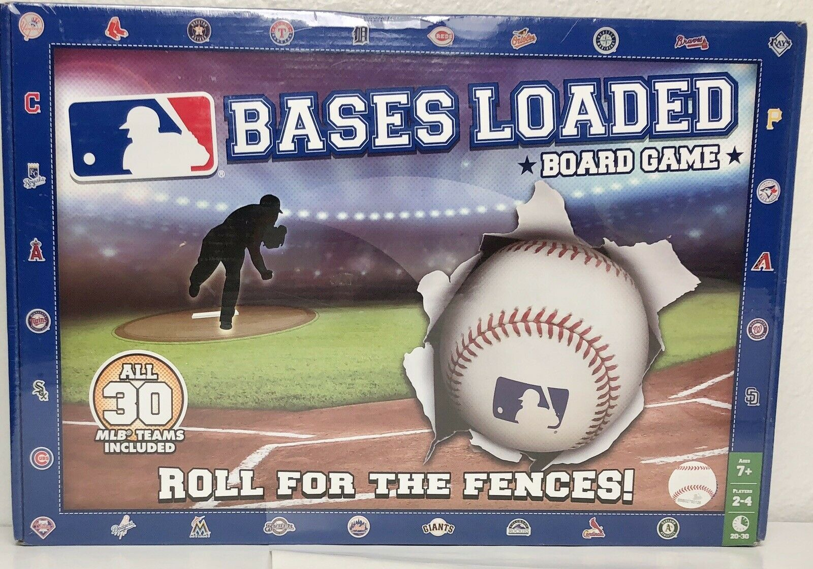 Primary image for Bases Loaded Board Game New Sealed 30 MLB Teams 2015 Baseball Roll For The Fence