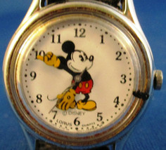 Vintage Lorus Mickey Mouse Watch V515-6080 - $34.65