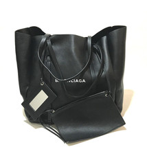 BALENCIAGA Everyday Tote M pouch with mirror Tote Bag black Leather 475201 - £988.64 GBP