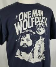 One Man Wolfpack T-Shirt Adult XL Blue Zach Galifianakis The Hangover Las Vegas - $13.85