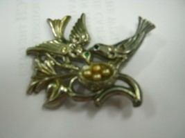 Two birds at nest with eggs brooch - $12.86