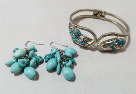 Vintage Fashion Jewelry Set Silver Tone Turquoise Bracelet Bangle & Earr... - $24.91
