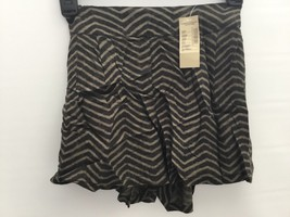 American Eagle Women's Chevron Pleated Shorts Size Xxsmall - $4.99