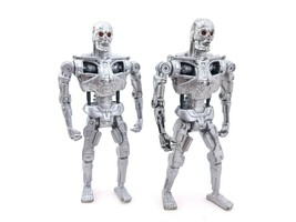 "1991 Terminator 2 T800 Kenner Carolco 5.5"" Action Figure lot of 2 - $22.51"