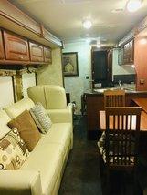 2012 Winnebago Sightseer 33C For Sale In Fishersville, VA 22939 image 9