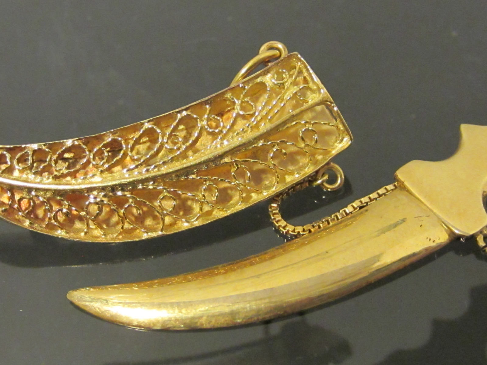 Antique 18K Solid Yellow Gold SWORD DAGGER IN SHEATH Brooch Pendant