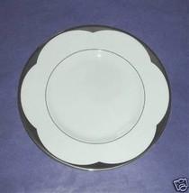 Vera Wang Wedgwood VERA LOTUS Accent Luncheon P... - $18.90