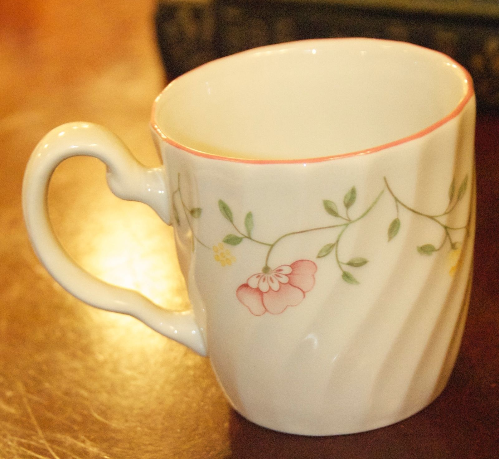 Primary image for JOHNSON BROS SUMMER CHINTZ COFFEE MUG FLORAL SWIRL PORCELAIN ENGLAND RED RIM EUC