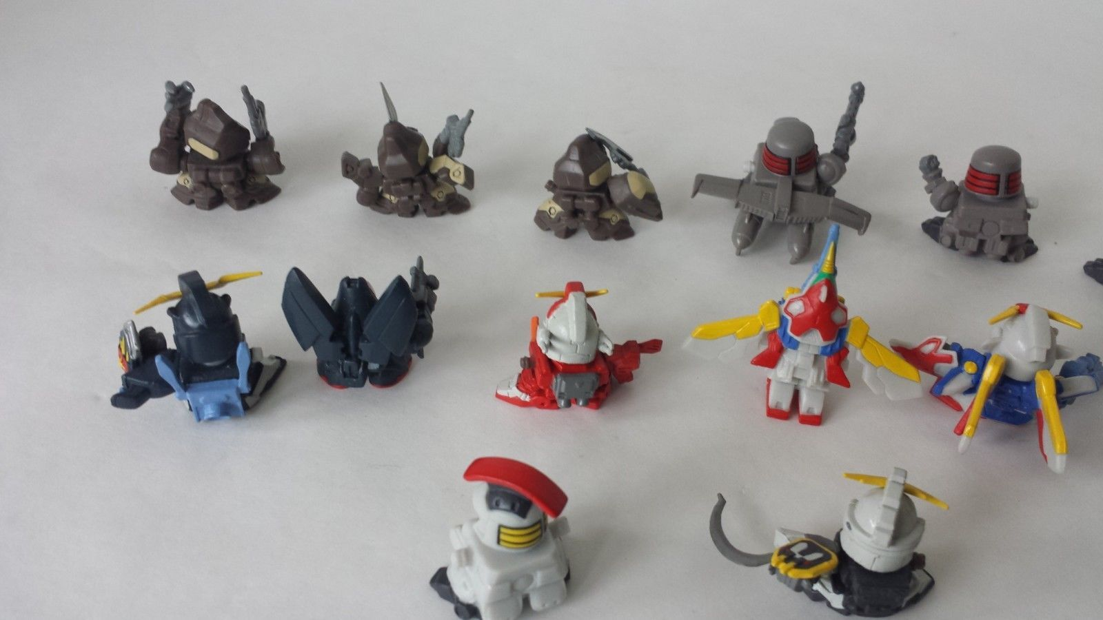 Small Gundam Transformer Like Soldiers Lot of 14 Miniature Men 1""