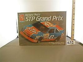 1990 AMT ERTL RICHARD PETTY STP PONTIAC GRAND PRIX 1:25 MODEL KIT NIB MF... - $9.14