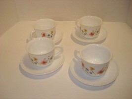 Arcopal France Set of Four White Tea Cups and Saucers With Wild Flowers  - $19.80
