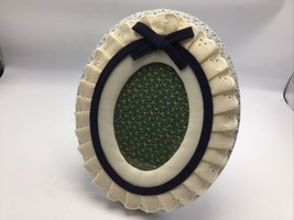 """Russ Berrie Picture Frame 3"""" x 5"""" Oval Eyelet Calico Wall Standing Vtg Cottage  - $19.34"""