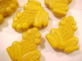 Frog Cinnabar Style Mustard Yellow Bead - $2.00