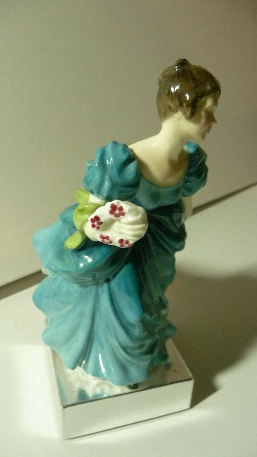 "ROYAL DOULTON ""Rhapsody"" Bone China Figurine HN 2267 Circa 1960 Rd. No. 43/60 image 6"