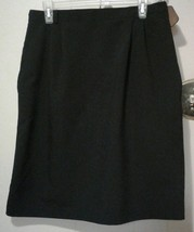 TR Bentley Women's Stylish Skirt, size 16,  black,  polyester, rayon - $2.00