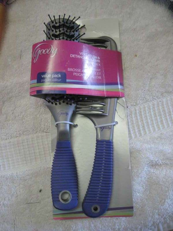 Black Grip Goody Value Pack Vent Hair Brush & Detangling Comb Set Detangle & Dry